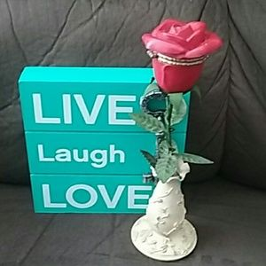 Other - Cute Red Rose Vase, that opens to hold a ring!